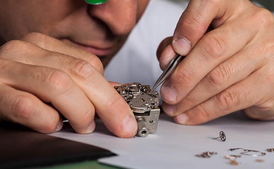 Herstellung Zeno Uhren